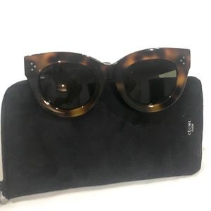 324342fb246fa Celine Accessories - Celine 41050 S classic cateye Sunglasses in Havana